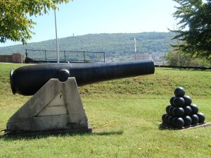 This cannon is not canon. (2)